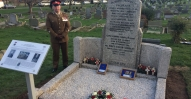 20171130-Gourley_VC_Commemoration_renoovated_Grave_WO2_Handley_Standing_vigil-Adjt103-O